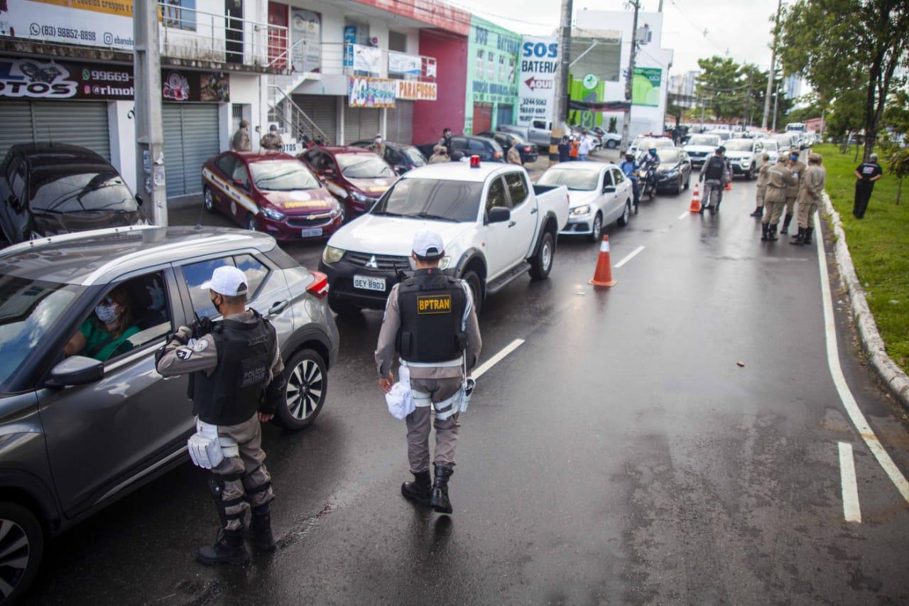 João Azevêdo veta lei que proibia recolhimento de veículos com ...